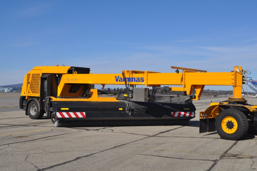 photo of the Vammas SB 5500 snow plow
